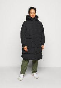 Pieces Curve - PCSEVIGNE PADDED JACKET - Winter coat - black - 0