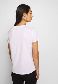 Levi's® - THE PERFECT TEE - T-shirt imprimé - white - 2