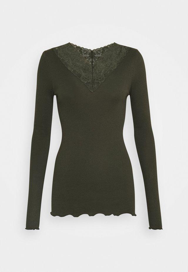Pitkähihainen paita - black green
