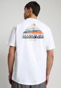 Napapijri - SOLE GRAPHIC - T-shirt print - bright white - 2