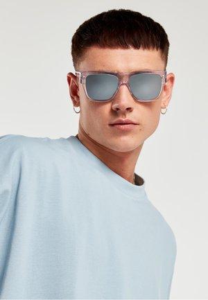 DOUMU - Sunglasses - transparent