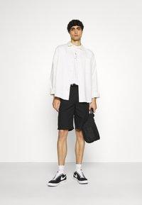 GANT - SUMMER - T-shirt med print - eggshell - 1