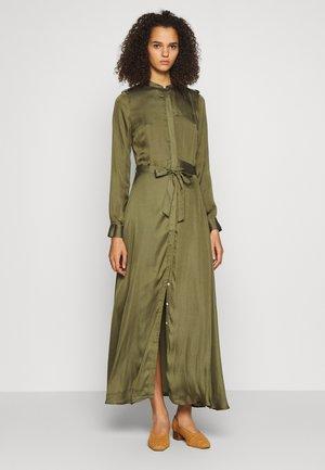 TRENCH MAXI DRESS - Maxi dress - jungle olive