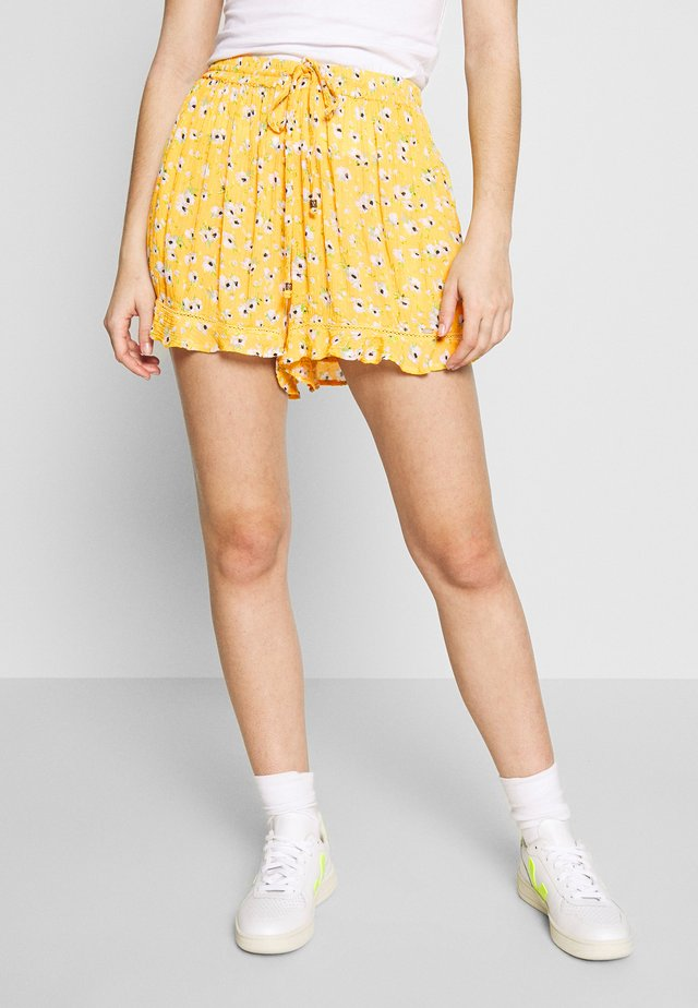 SUMMER BEACH - Shorts - yellow