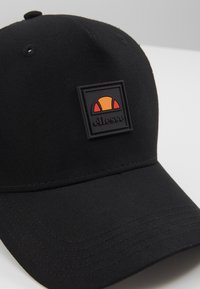Ellesse - LOVRA TRUCKER - Caps - black
