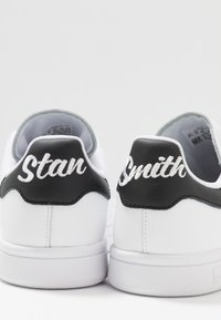 adidas Originals - STAN SMITH - Sneakers - footwear white/core black - 6