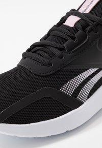 Reebok - ENERGYLUX 2.0 - Zapatillas de running neutras - black/pink/white - 5