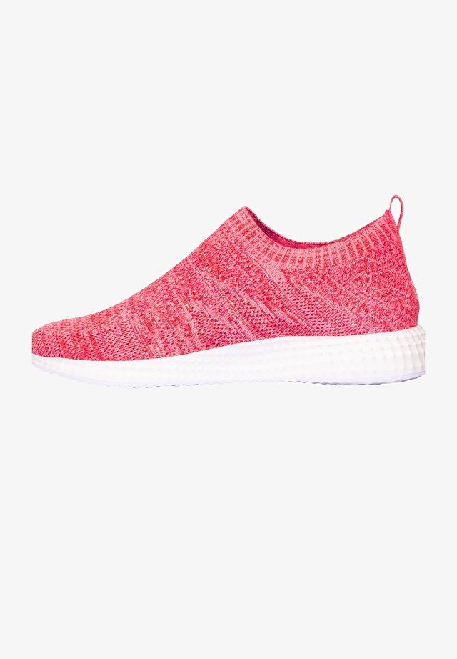 FREE STYLE - Sneakers laag - fuchsia