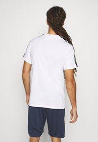 Reebok - TAPE TEE - T-shirt med print - white - 2