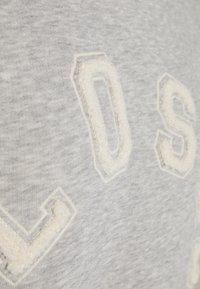 CLOSED - HOODIE WITH WHITE LOGO ACROSS CHEST - Sweatshirt - grey - 6