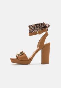 Liu Jo Jeans - HEBE  - Platform sandals - tan - 1