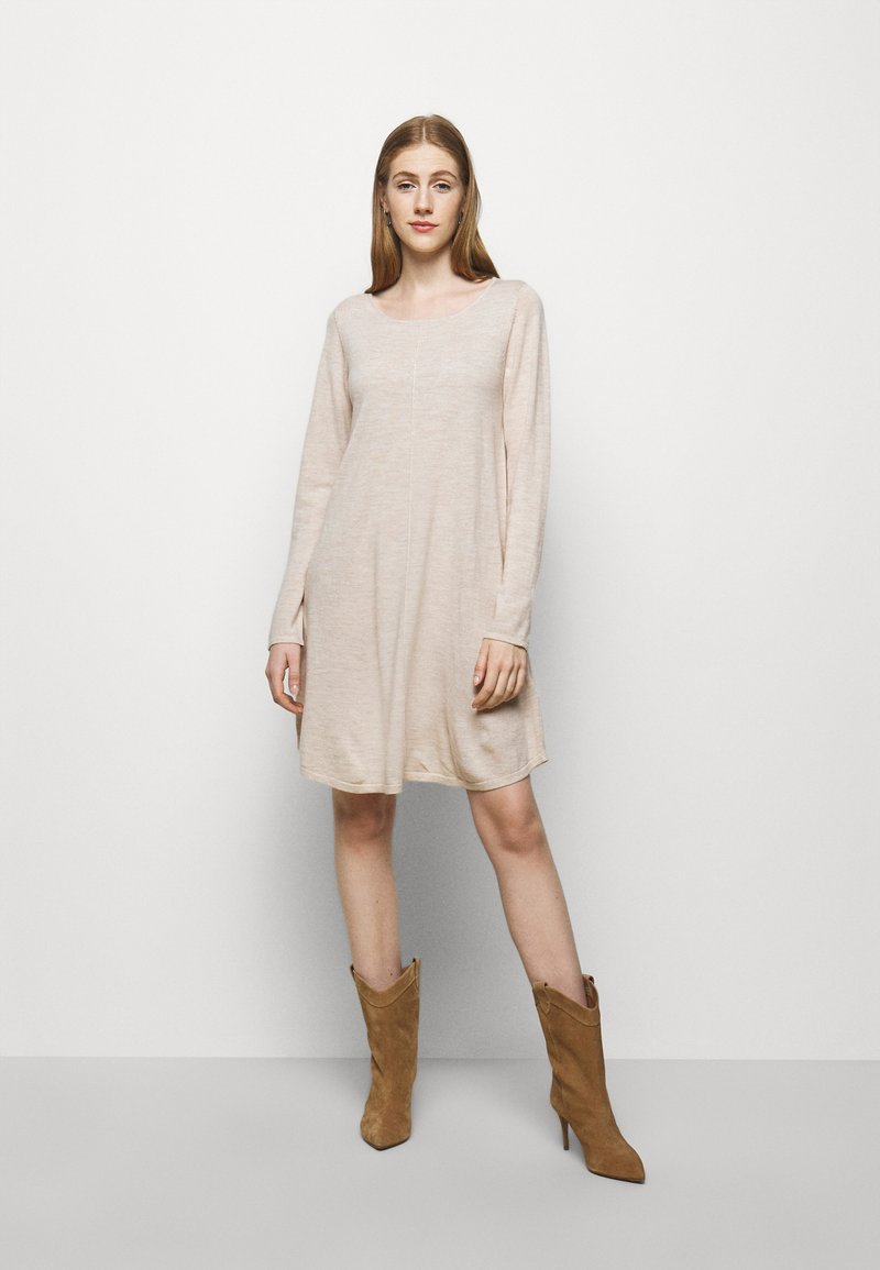 Repeat - Strikket kjole - beige melange