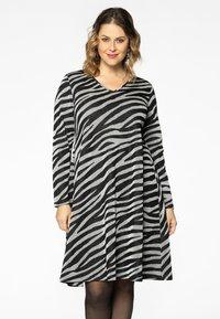 Yoek - Jumper dress - black - 0