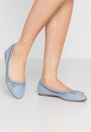 PIPPA SCALLOP ROUND TOE  - Baleríny - blue