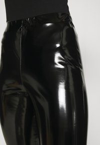 ONLY Tall - ONLTASSIE SHINY - Pantalones - black - 5
