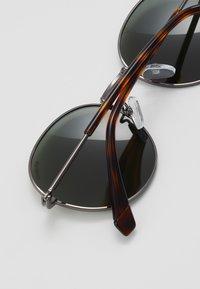 Polaroid - Sunglasses - ruthen - 2