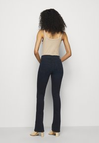 Mother - THE RUNAWAY - Bootcut jeans - dark blue - 2