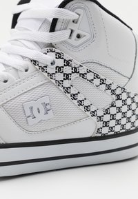 DC Shoes - PURE - High-top trainers - white/black - 5