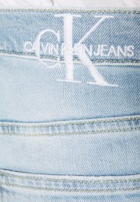 Calvin Klein Jeans - MOM - Jeansy Relaxed Fit - blue - 5