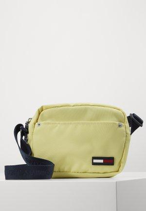 CAMPUS GIRL CROSSOVER - Taška spříčným popruhem - yellow