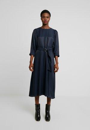SLFARABELLA MIDI DRESS - Maxi dress - dark sapphire