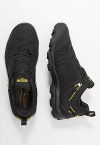 Keen - VENTURE WP - Hiking shoes - black/yellow - 1