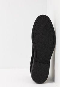 Zalando Essentials - Classic ankle boots - black - 4
