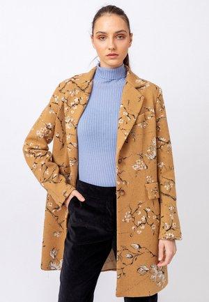 BOILED  WITH INTARSIA - Klasický kabát - nougat