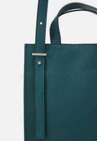 PB 0110 - Across body bag - emerald - 5
