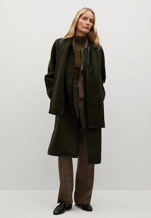 PRALINE - Classic coat - khaki