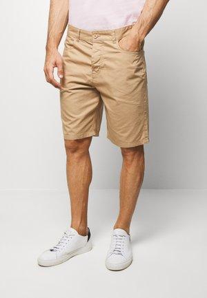 BASIC CHINO - Shorts - beige