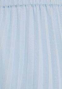Monki - LAURA PLISSÉ SKIRT - Áčková sukně - blue light - 6