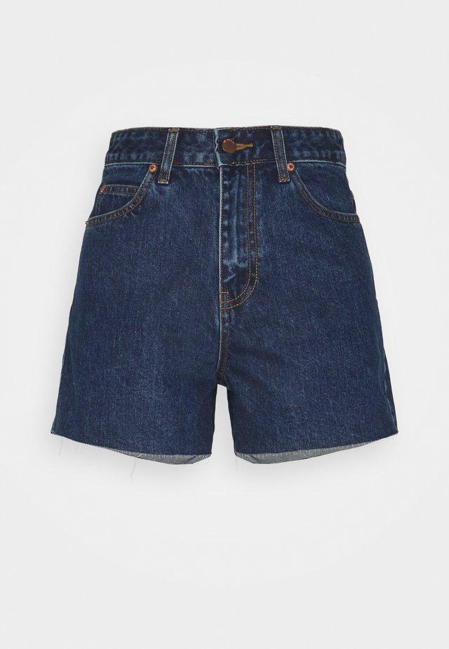 NORA - Short en jean - mid retro