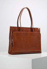 Royal RepubliQ - MEL - Tote bag - cognac - 2
