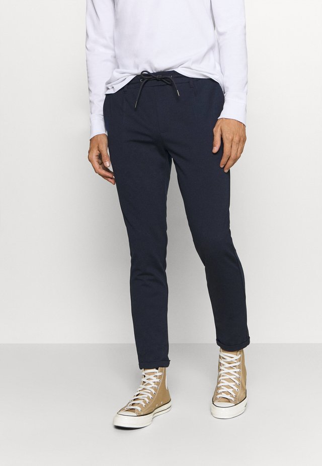 EBERLEIN WITH ROLL UP - Pantalon classique - navy