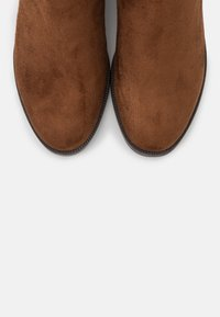 s.Oliver - Høye støvler - cognac - 5
