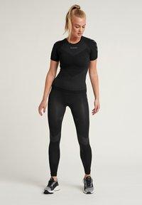 Hummel - Sportshirt - black - 1