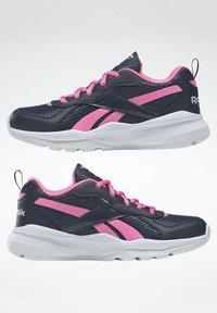 Reebok - XT SPRINTER - Stabilty running shoes - blue - 7