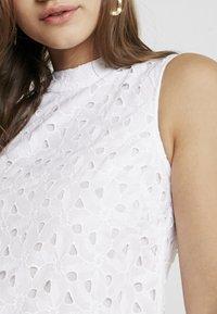 Topshop - SMOCK - Denní šaty - white - 3