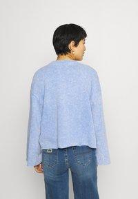 GAP - FLARE  CROP - Sweatshirt - neon medium blue - 2
