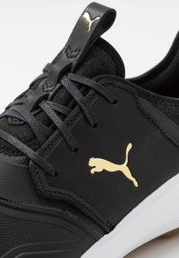 Puma Golf - IGNITE NXT CRAFTED - Obuwie do golfa - black/team gold - 5