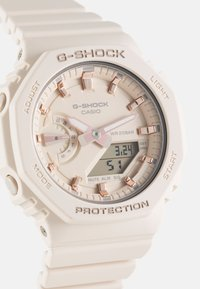 G-SHOCK - Montre à affichage digital - beige - 5