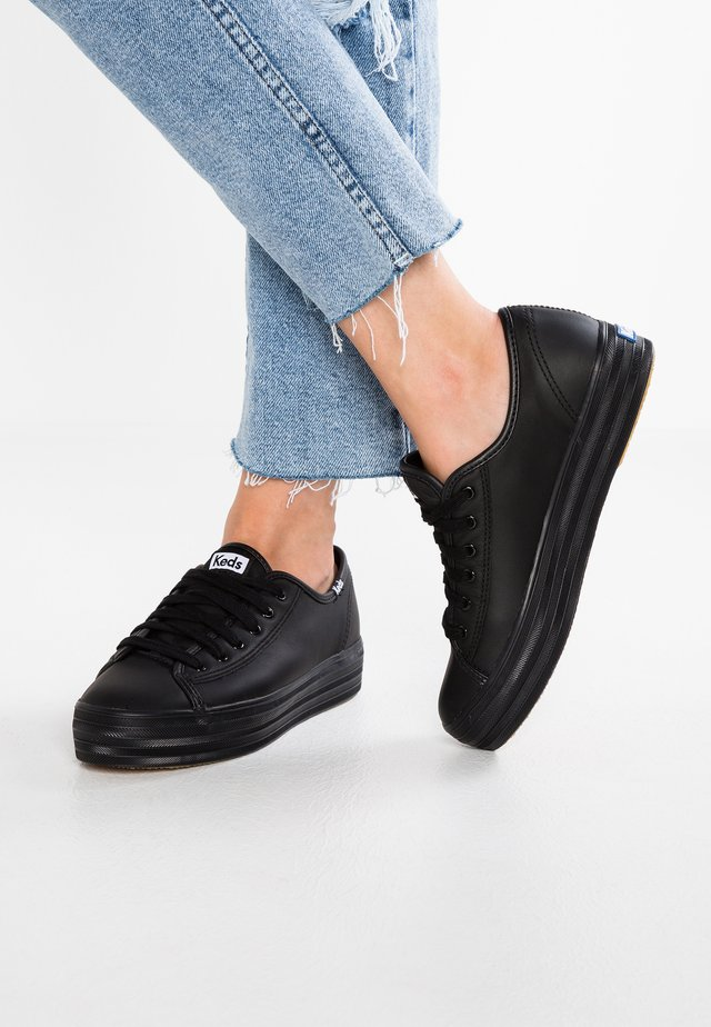 TRIPLE KICK CORE LEATHER - Trainers - black