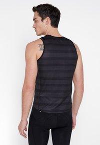 ODLO - CREW NECK SINGLET ZEROWEIGHT - Sports shirt - graphite grey /black - 2