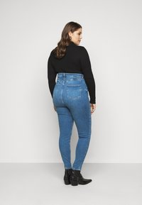 New Look Curves - Jeans Skinny Fit - mid blue - 2
