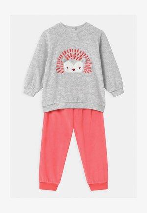 GIRL  - Pyjama set - sugar coral