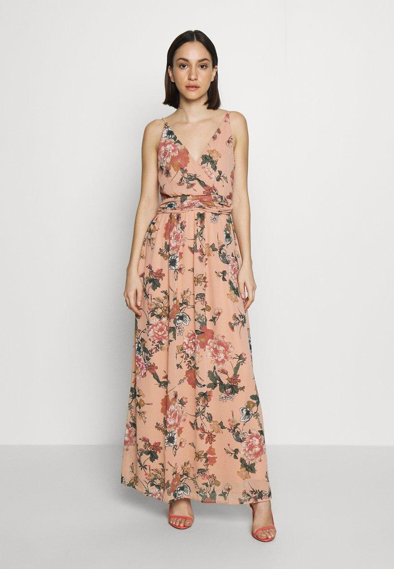 Vero Moda - VMSUNILLA DRESS - Długa sukienka - mahogany