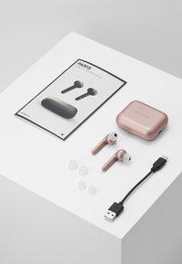Urbanista - PARIS TRUE WIRELESS - Headphones - rose gold - pink - 4