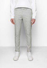 Les Deux - COMO CHECK SUIT PANTS - Trousers - grey melange/offwhite - 0