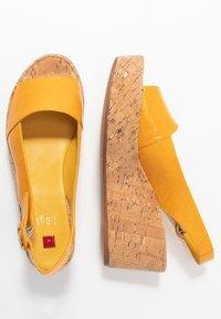 Högl - Platform sandals - mango - 3
